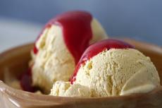 Namuose gaminti grietininiai ledai